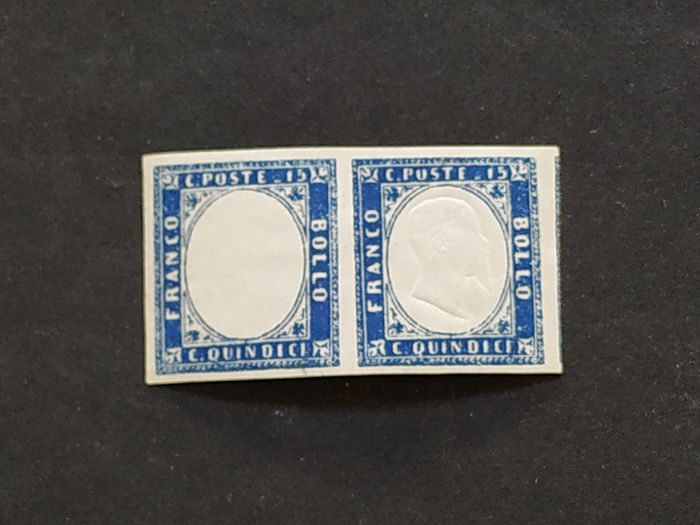 Italien Königreich 1863 - 15 cents dark azure pair of which the left piece is without effigy - Sassone N. 11n