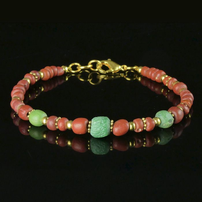 Ancient Roman Glass Bracelet with red and green glass beads - (1)
