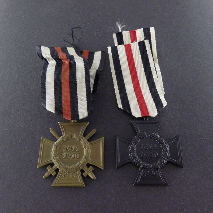 Germany - 2 crosses of honor of the First World War: widow's cross and front fighter's cross - Award
