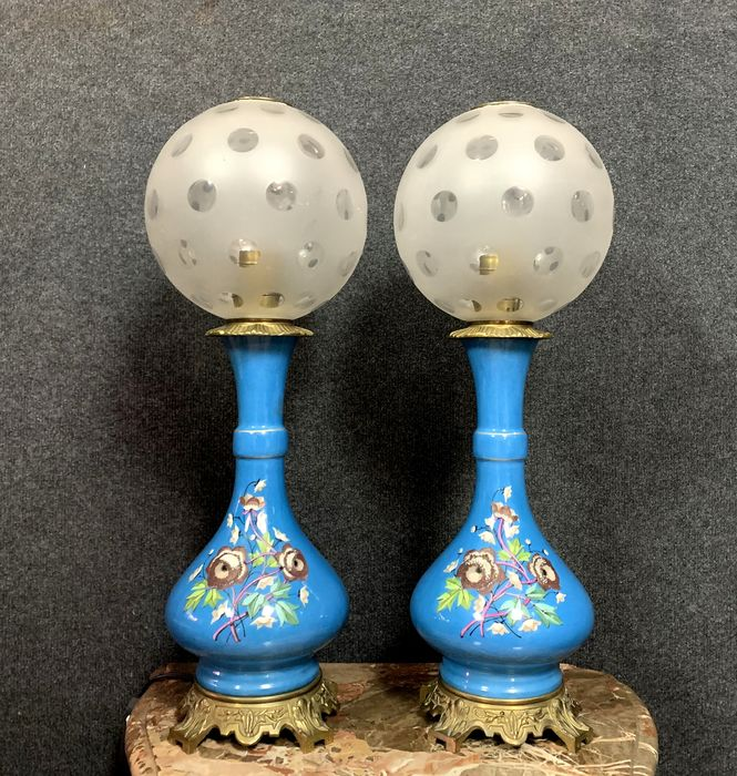 Pair of important Napoleon III period oil lamps in porcelain - Porcelain - Late 19th century