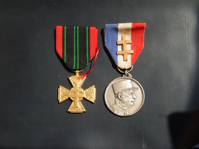 France - Lot of 2 war medals 39/45 Liberation (Q16J) Elite army reward - Medal - 1950