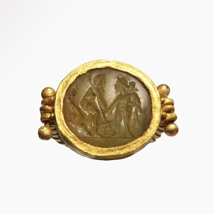 Ancient Roman Gold and stone Ring, Neptune and Mars