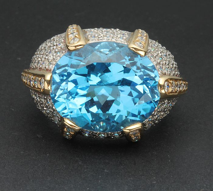 14 kt. White gold, Yellow gold - Ring - 14.00 ct Topaz - Diamonds