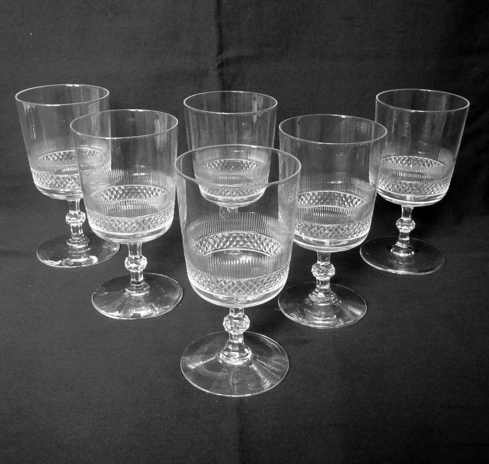 Baccarat - 6 richly cut 11.8cm diamond-tipped wine glasses - Crystal