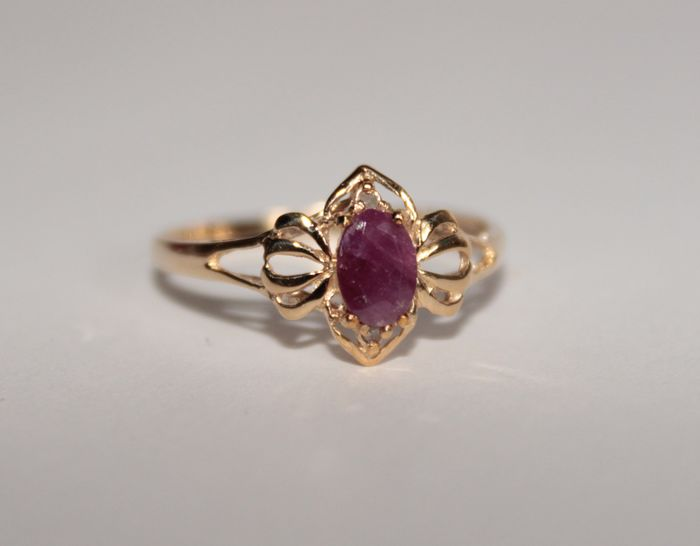 10k Yellow gold - Ring - 0.45 ct Ruby - Diamonds