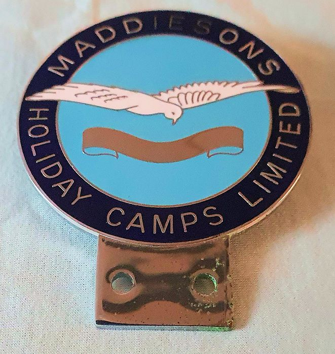 Decorative object - Geëmailleerde Grille Badge Maddisons Holiday Camps Limited. - 1980/1990
