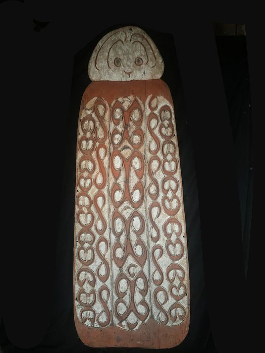 Shield - Wood - Salawaku - North West Asmat village WEO - West-Papua (former Irian Jaya)