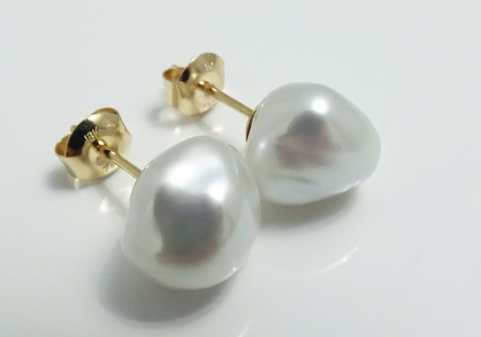No Reserve Price - Keshi pearls, South Sea Keshi 10.78 X 10.33 X 8.61 mm and 10.87 X 10.46 X 8.7 mm - Earrings, 18 kt. Yellow Gold