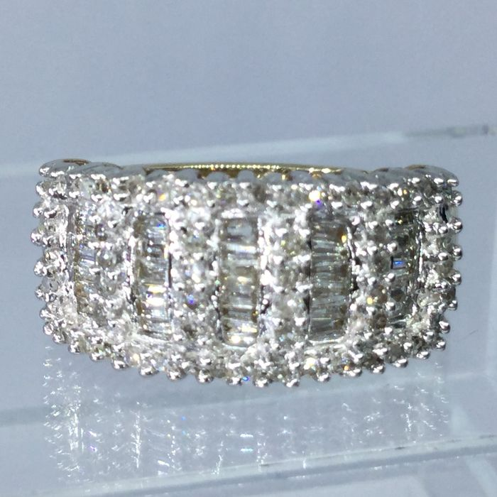 9 k Yellow gold - Ring - 1.00 ct Diamond