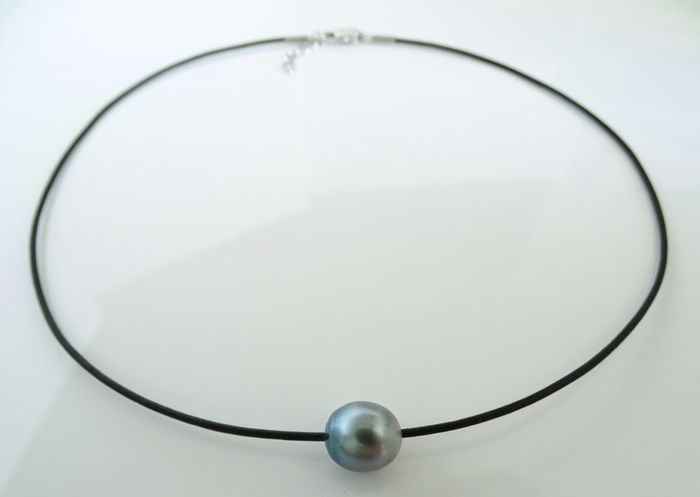 No Reserve Price - Tahitian pearl, Sea Foam Blue 10.42 X 11.96 mm - Necklace, Leather Choker - 8.40 ct