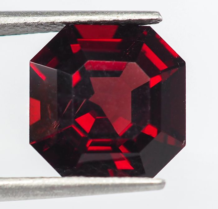 Birmanie - Spinelle rouge vif - 4.63 ct