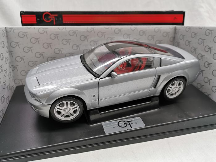 Beanstalk  - 1:18 - Ford Mustang GT Concept  - Gray in Scale 1-18