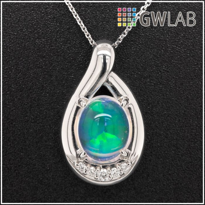 Platinum - Necklace with pendant - 2.08 ct Opal - 0.07 ct Diamonds - No Reserve Price
