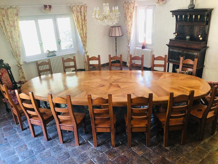 Table and 14 chairs in Solid Wood - 4.24 m long x 1.80 m wide