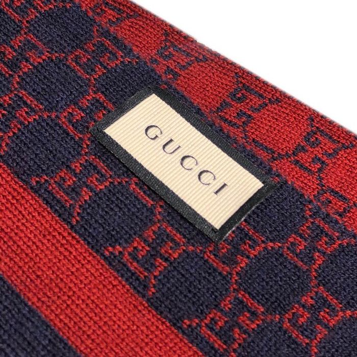 Gucci - GG reversible Scarf
