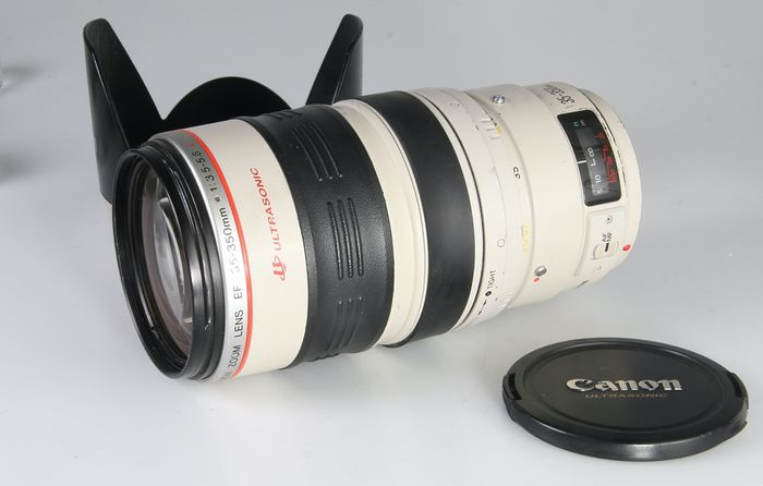 Canon Zoom Lens EF 3.5-5/6/35-350mm L IS  - defect
