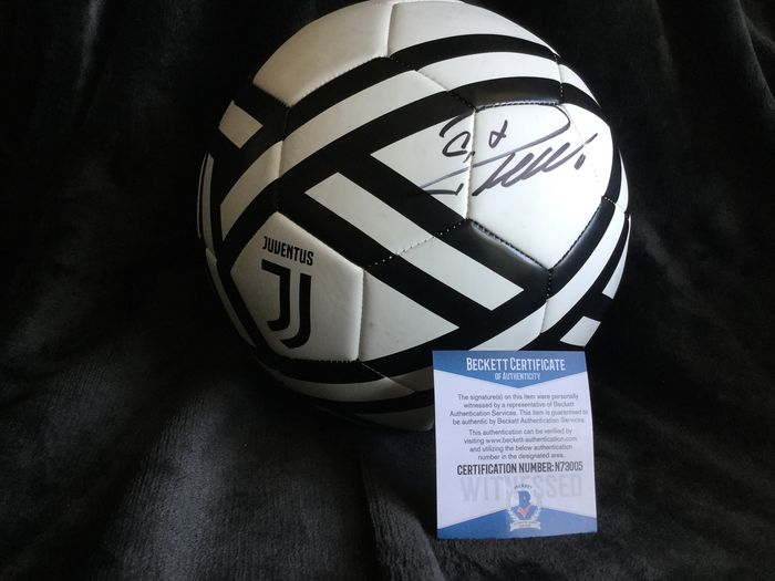 Juventus - Ligue de Champions - CR7 Cristiano Ronaldo signed Ball with Coa!! - Football