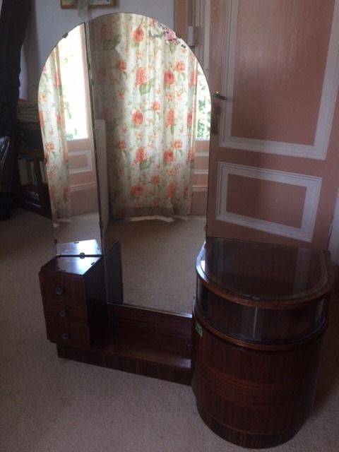 Vintage dressing table with various drawers
