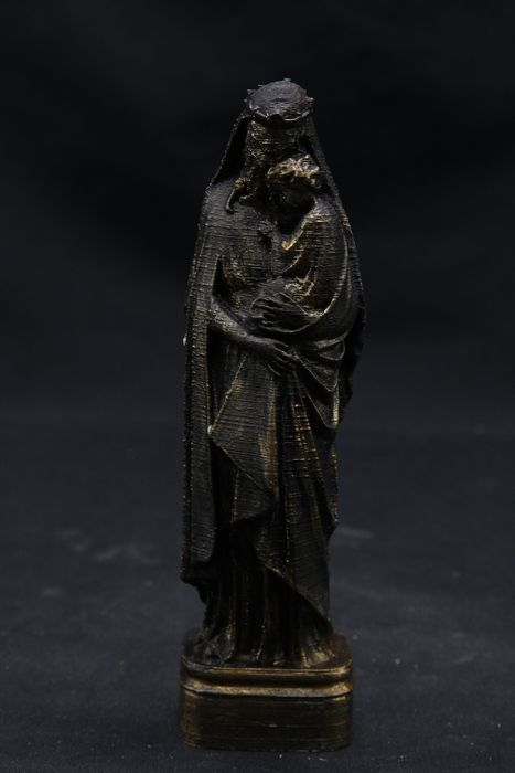 """""""Cthulhu, Our Lord and Saviour"""". - - - 15×4×3 cm"""