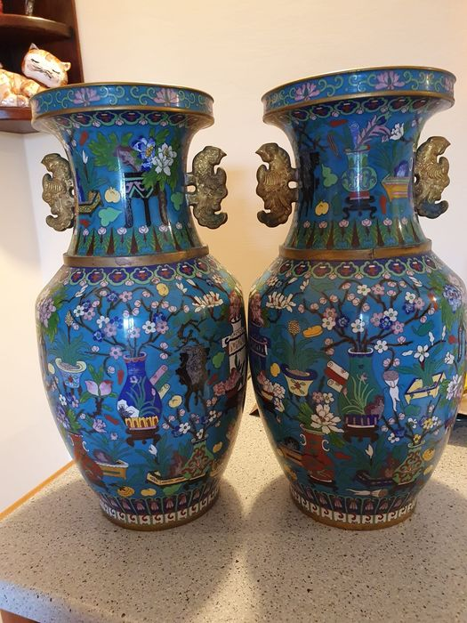 Vazen (2) - Brons, Cloisonné emaille, Emaille - China - Midden 20e eeuw