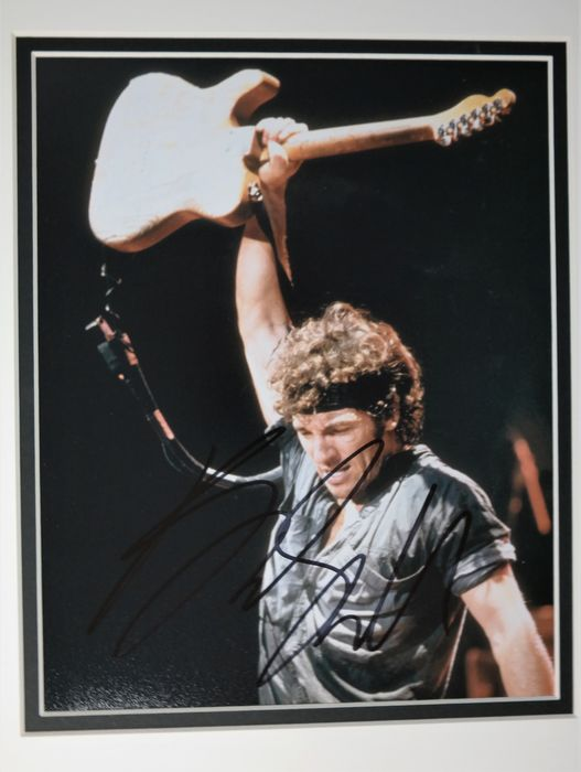 Bruce Springsteen - Signed Of A Picture Live Performance - Picture, Signed memorabilia (original authograph) - 2000/2000