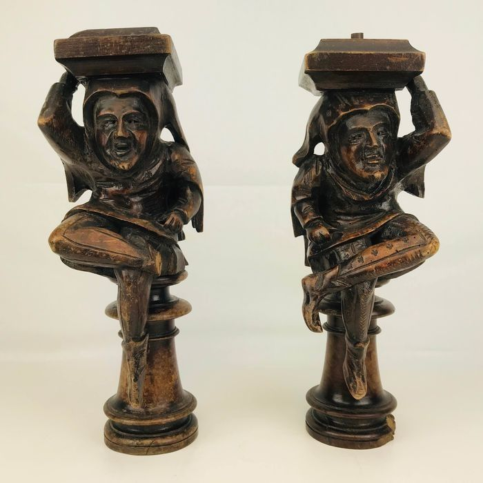 Couple skilfully carved antique wooden court jester / joker sculptures / ornaments (2) - Wood - Late 19th century