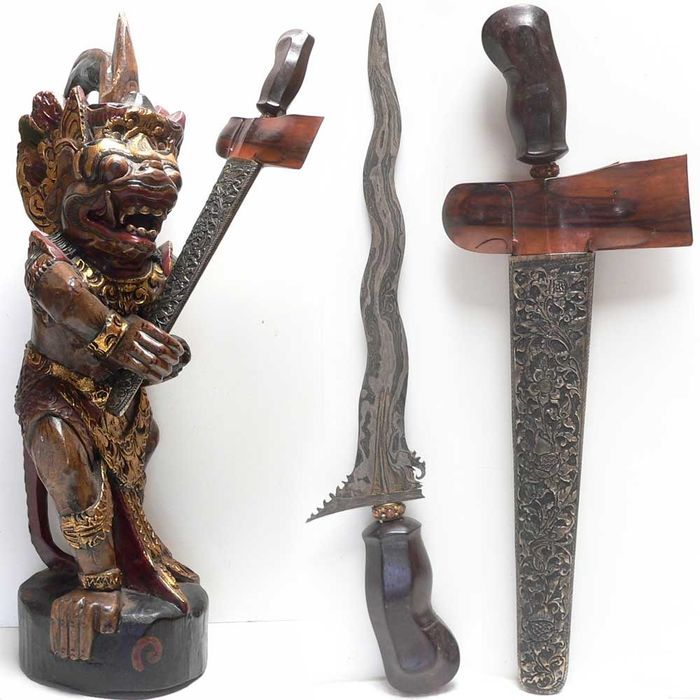 Keris carrier Hanuman with Keris / Kris (1) - Wood, (pamor) iron - Kris/keris - Bali, Indonesia