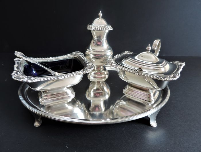 Harts Silversmiths of Sheffield - Antieke zilveren plaat Cruet Set en dienblad (6) - Regency - Glas, Verzilverd