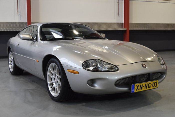 Jaguar - XKR Coupe 4.0L V8 Supercharged - NO RESERVE - 1999