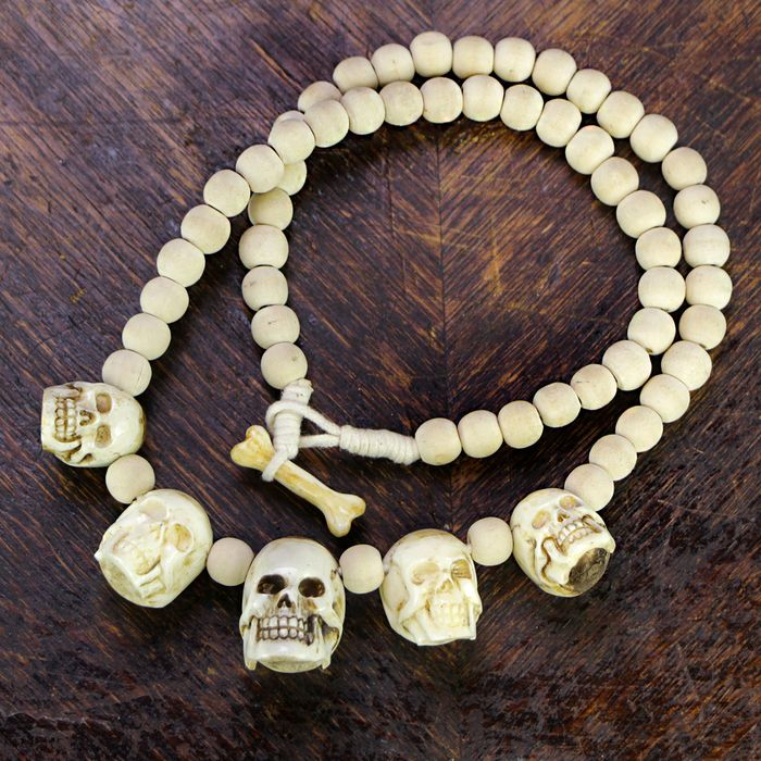 """Shaman Skull Necklace"" carved in Buffalo bone - Bubalus sp. - 660×27.5×26 mm"