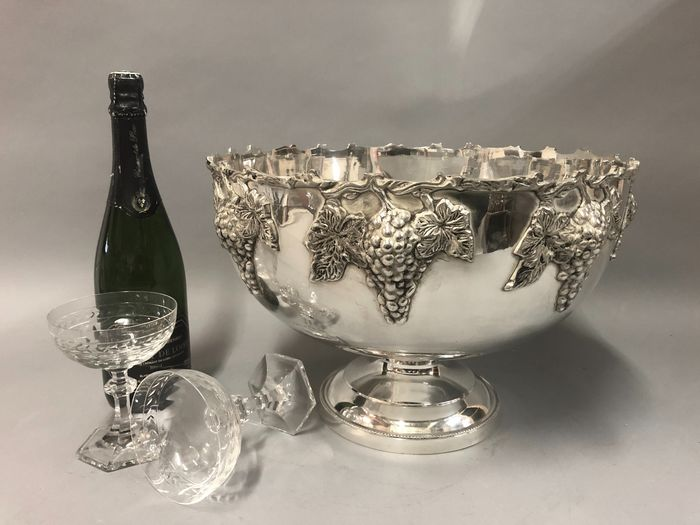Wine cooler for 4 to 6 bottles - Silverplate