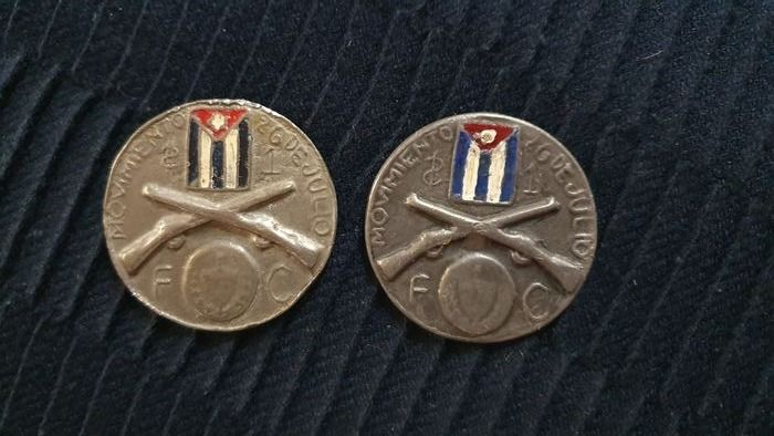 Cuba - Medal (Pewter) 1958 For the 26th of July Movement (2 pieces)  - Tin