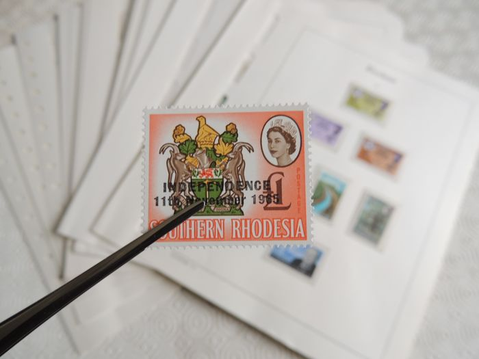 Rhodesia 1965/1978 - Advanced collection to be completed on Leuchtturm sheets
