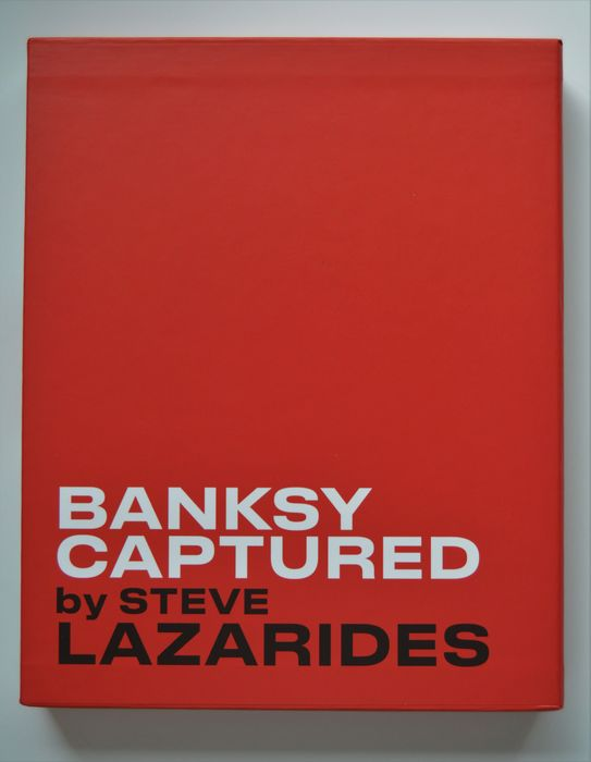 Banksy, Steve Lazarides - Banksy captured. [Friends and Family Limited Edition] - 2020