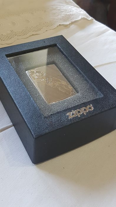 Zippo - Luxury design Zippo silver plate - with packaging of 1