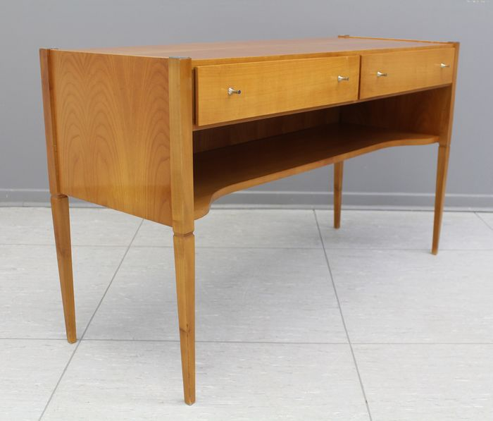 Chest of drawers - Sideboard
