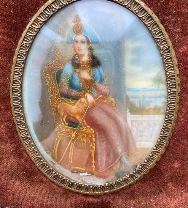 Miniature portrait - Ca 1900 - signed (1) - Brass, celluloid - Early 20th century