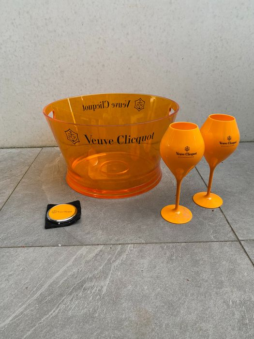 Veuve Clicquot Ponsardin Champagne Large Ice-Bucket, 2 glasses and pocket mirror - Champán
