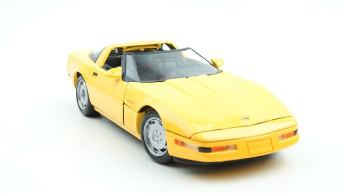 Maisto Special Edition - 1:18 - Chevrolet Corvette C4 ZR-1 Targa Yellow - 1984–1996