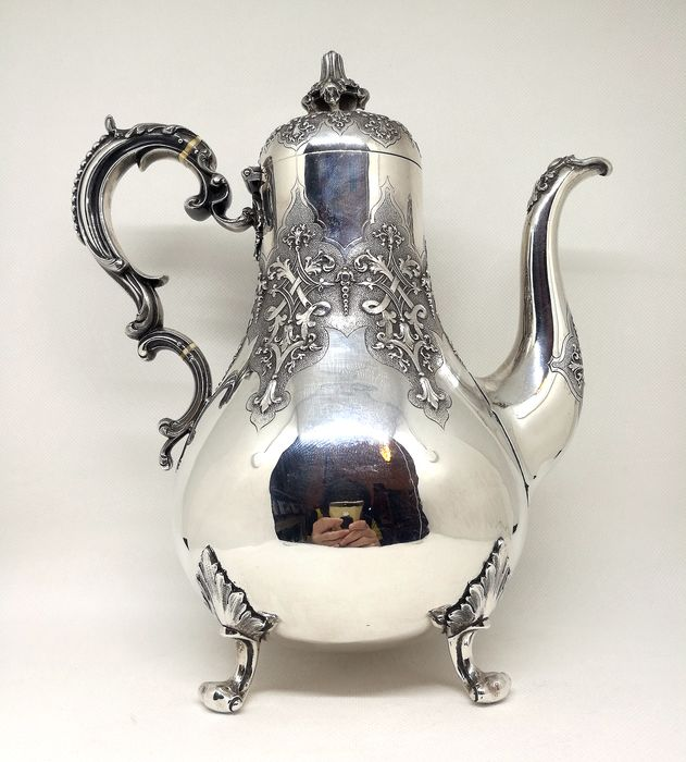 Museum Victorian Coffee Maker - .925 silver - Robert Hennell II, London - England - 1858