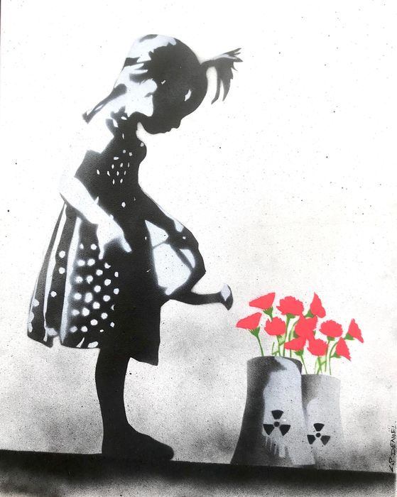 CANNED (Charlotte Parenteau-Denoel) - Little girl with watering can (fluo)