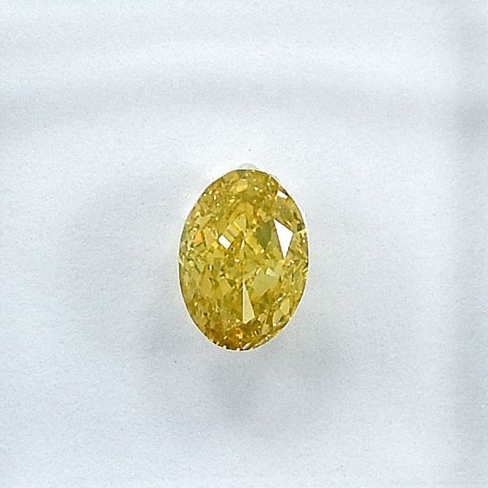 Diamond - 0.51 ct - Oval - Natural Fancy Orangy Yellow - SI1