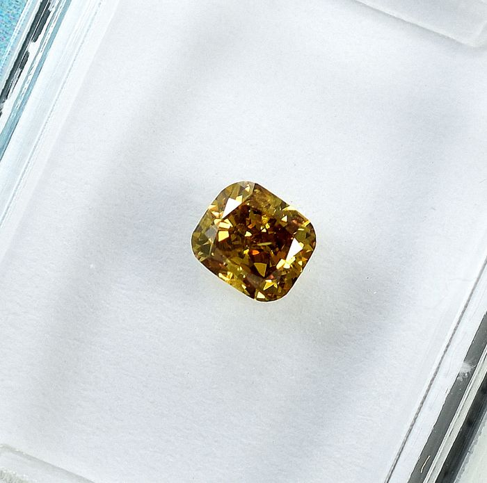 Diamond - 0.35 ct - Cushion - Natural Fancy Deep Orangy Yellow - Si1 - NO RESERVE PRICE