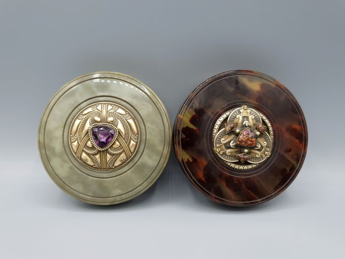 Boxes decorated with cabochons on the lid (2) - Bakelite, Brass