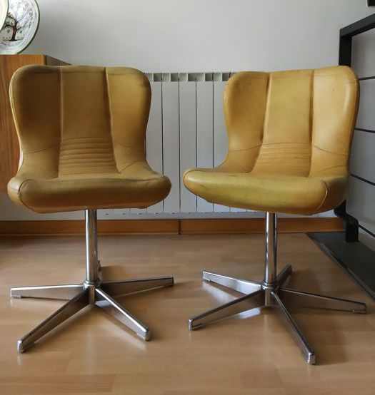 Pair of vintage armchair