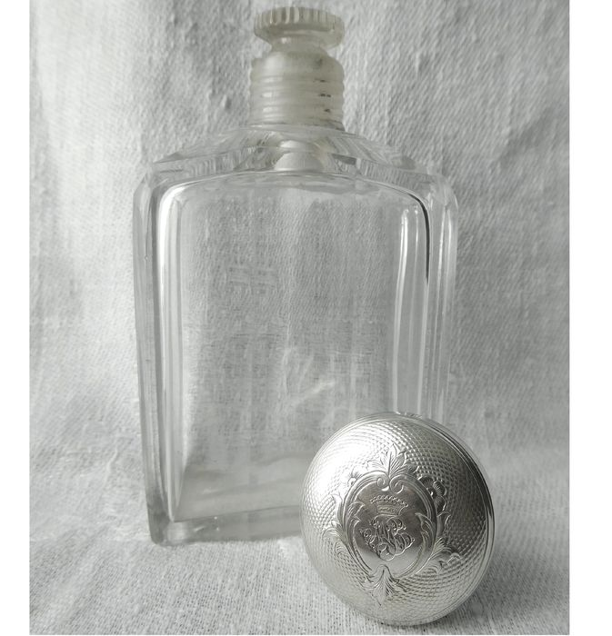 Baccarat - Alcohol flask for hunting Crown of Comte solid silver cap circa 1850 - Crystal, Silver