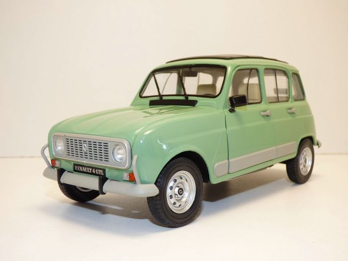 Solido - 1:18 - Renault R4 GTL grün - new and in the unopened original packaging
