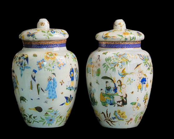 Pair of covered vases, Chinoiserie decorations - Restauration - Verre Eglomise - Glass - Début du XIXe siècle