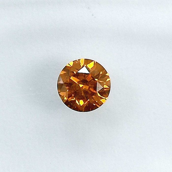 Diamond - 0.26 ct - Brilliant - Natural Fancy Intense Yellowish Orange - SI1