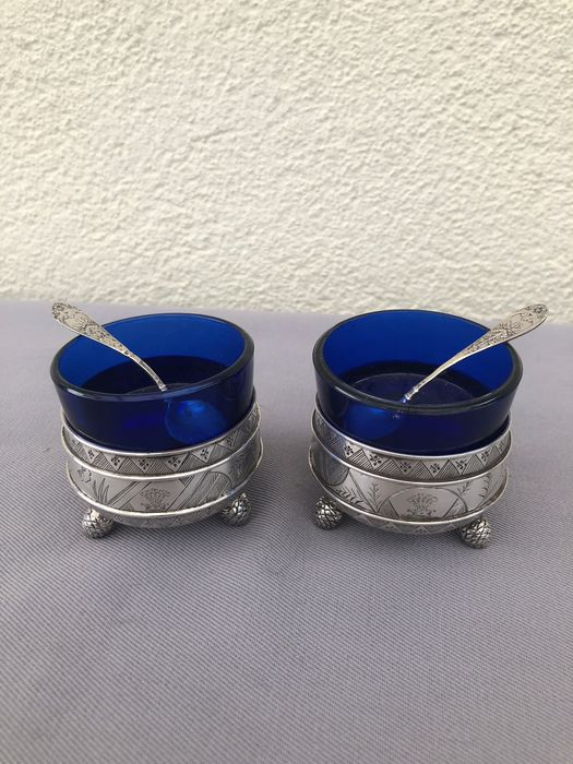2 Antique silver salt cellars with matching silver spoons - .925 silver - U.K. - Late 19th century